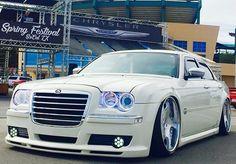 #importacaocarro - Pro Imports Motors importação de veículos para todo o Brasil - King of beasts. 📷: Mikey L. #Chrysler #300 #Chrysle…