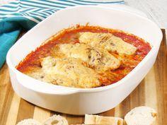 Gebackene Hähnchenfilets in Tomatensoße Rezept | LECKER