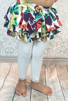 Ruffled skirt for leggings (free pattern tutorial for any size) 2019 Toddler Fashion, Toddler Outfits, Girl Outfits, Cute Outfits, Boy Fashion, Sewing For Kids, Baby Sewing, Free Sewing, Skirt Pattern Free