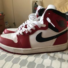 1d3956bbe307d chicago 1s 8 10 sz 10 - Depop Sneakers Nike