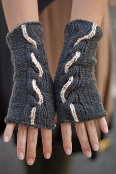 if i eventually learn how to knit better   Grayscaled Cables Pattern