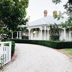 "163 Likes, 8 Comments - Sarah Hope (@australiancountryhouse) on Instagram: ""One of my favourite houses in Geelong. Just so pretty. On my morning walk this morning and I…"""