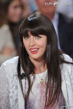 Nolwenn Leroy, née Nolwenn Le Magueresse le 28 septembre 1982 à Saint-Renan dans le Finistère, est une chanteuse française.