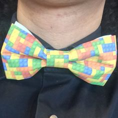 Dressed for the occasion. At 11:50 we have an interview with the producer of the upcoming LEGO Worlds videogame Chris Rose. Do you have a question for him? Let us know in the comments and we'll ask him. :) #LEGO #LEGOworlds #LEGOworld #legolove #legofan #legoinstagram #legogram #bowties #bowtiesarecool #legogame #warner #warnerbros #chrisrose