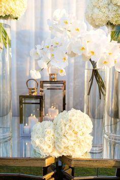 All white Hawaii wedding   Event Planning, Styling & Design: Manna Sun Events   www.mannasunevents.com
