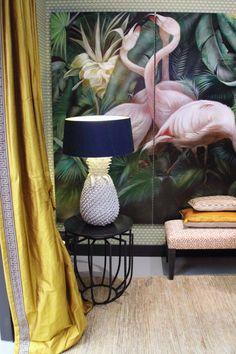 Salon Residence in Laren - Interior Design by Eveline Schmitz Interieur - foto Monique Tieleman #interiordesign #interiorstyling #eclectic #wallpaper #wallcovering #patterns #textile #flamingo