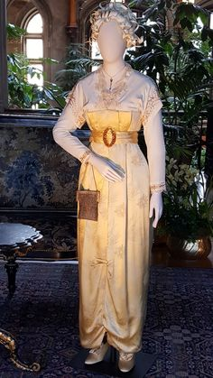 Costume made for Titanic on display at Biltmore 2018 Titanic Costume, Titanic Dress, Titanic Movie, Edwardian Dress, Edwardian Fashion, Titanic Kate Winslet, Movie Costumes, Historical Costume, Fashion History