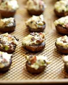 Baked Cream Cheese Stuffed Mushrooms - Running Is My Passport - Ingredients: 16 baby button mushrooms, cleaned washed and remove stems (save half) 4 oz cream chees - Recipes Appetizers And Snacks, Yummy Appetizers, Keto Recipes, Stuffed Mushrooms Cream Cheese, Stuffed Peppers, Easy Mushroom Recipes, Baby Bella Mushroom Recipes, Appetizer Sandwiches, Grass Fed Butter