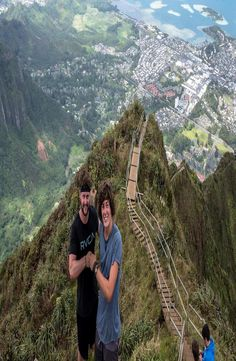 The Haiku Stairs, also known as the Stairway to Heaven is a hiking trail on the island of O´ahu, Hawaii. Climb the Haiku Stairs the legal way. Stairway To Heaven, Haiku, Stairways, Backpacking, Grand Canyon, Hawaii, Pictures, Travel, Instagram