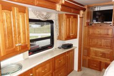 2004 Newmar Essex RVIA - 10055124, Class A - Diesel RV For Sale By Owner in Clear creek, Indiana | RVT.com - 347857 Diesel For Sale, Rv For Sale, Dock Lighting, Motorhomes For Sale, Window Awnings, Roof Vents, Tank You, Heating Systems, Interior Lighting