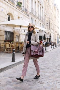 Plaid in Paris // Blair Eadie wears a Veronica Beard plaid blazer with plaid pants and Gucci loafers // Click through to see more casual suiting looks at Atlantic-Pacific Workwear Fashion, Fall Fashion Outfits, Office Fashion, Winter Outfits, Plaid Blazer, Plaid Pants, London Fashion Bloggers, Atlantic Pacific, Paris Chic