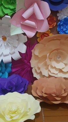 Eu que fiz. #flores #flordepapel#paperflower Vendo todas
