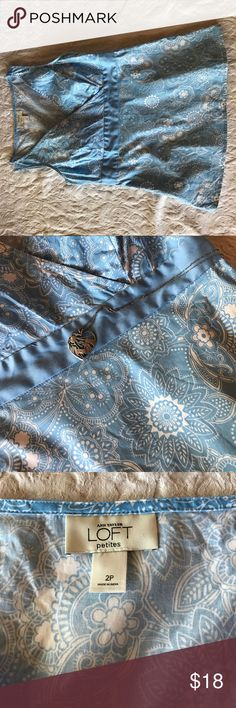 """Sz 2P Ann Taylor Loft cotton top Wear this top with trousers, jeans. skirts and shorts. This soft polished cotton top is truly lovely. Side zip and seaming fit your shape. A beautiful, peaceful paisley in blue and white. Worn 2-3 times, perfect condition. 22"""" long, 16"""" arm or arm, 14"""" at waist. LOFT Tops Blouses"""