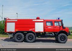 Unimog u5000 6x6 fire truck.