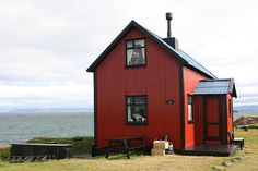 Authentic Icelandic timber house in Flatey