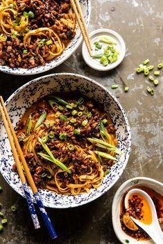 Better Than Takeout Dan Dan Noodles. - Half Baked Harvest - Better Than Takeout Dan Dan Noodles. For those nights when you're craving spicy, warming Chinese i - Low Carb Brasil, Low Sodium Chicken Broth, Half Baked Harvest, Cooking Recipes, Healthy Recipes, Vegetarian Asian Recipes, Dutch Recipes, Sausage Recipes, Pizza Recipes