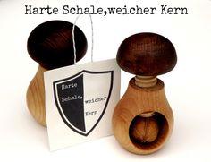 Männergeschenk Nussknacker für harte Kerle von Handmade by Unikatinka auf DaWanda.com