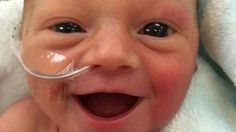 The photo of a premature baby girl just five days after her birth is bringing a smile to hundreds of thousands of people on the internet.  Freya Vinje is almo