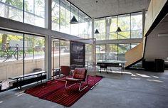 Espaço comunitário, que serve de ponto de encontro para os associados do edifício R50  ◊ Foto do IPRPraha