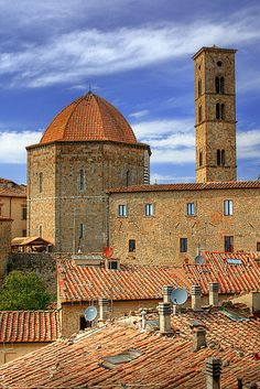 Volterra, Toscana: province of Pisa Tuscany region Italy. Beautiful city, not too crowded with tourists (and home of Twilight's Volturi)