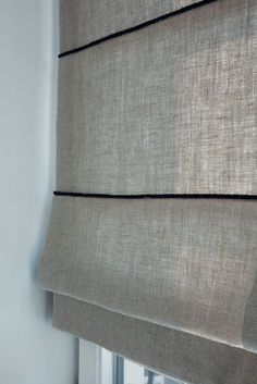 4 Resolute Cool Ideas: Bedroom Blinds Pattern blinds for windows faux wood.Where To Buy Bamboo Blinds blackout blinds red.Blinds And Curtains Bay Window. Living Room Blinds, Bedroom Blinds, Diy Blinds, House Blinds, Fabric Blinds, Living Room Windows, Blinds For Windows, Curtains With Blinds, Living Rooms