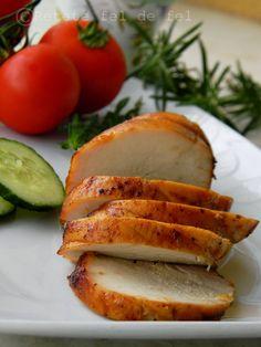PASTRAMA DIN PIEPT DE PUI   Rețete Fel de Fel Romanian Food, Baked Potato, Carne, Sandwiches, Food And Drink, Appetizers, Potatoes, Chicken, Baking