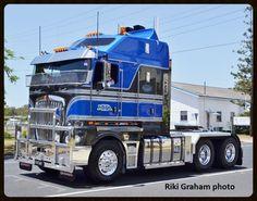 heavy haulage australia - Google Search Big Rig Trucks, New Trucks, Custom Trucks, Cool Trucks, Truck Festival, Custom Big Rigs, Road Train, Cab Over, Kenworth Trucks