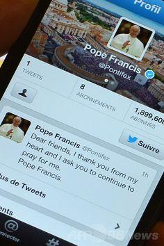 スマートフォン(多機能携帯電話)のスクリーンに表示されるフランシスコ(Francis)法王の公式ツイッター(Twitter)ページ。仏パリ(Paris)で(2013年3月17日撮影、資料写真)。(c)AFP/GABRIEL BOUYS ▼27Jun2014AFP|ツイッター上の影響力、ローマ法王が最大 研究 http://www.afpbb.com/articles/-/3018947 #Pope_Francis #Papa_Francisco #Papa_Francesco #Twitter