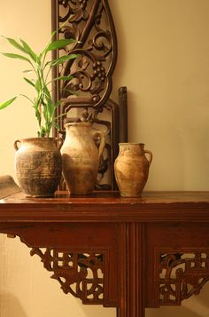vignette - chinese altar table,  screen and vintage turkish pottery - photo by apartmentf15
