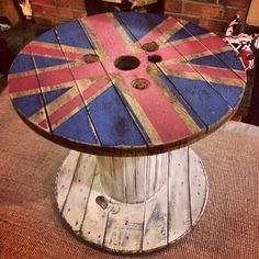 Painted old cable drum now used as a coffee table Rustic Furniture, Diy Furniture, Wooden Cable Reel, Drum Craft, Cable Drum, Woodworking Projects, Diy Projects, Bar, Union Jack
