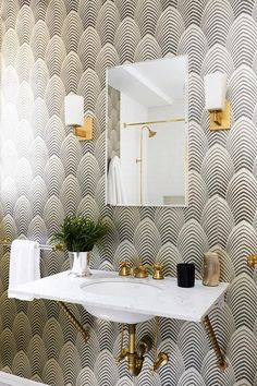 See all our stylish art deco bathrooms design ideas. Art Deco inspired black and white design. Decor, House Design, Interior, Art Deco Bathroom, Home Decor, House Interior, Interior Design, Interior Deco, Beautiful Bathrooms