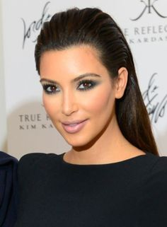 Kim Kardashian has been sporting this chic look time and again. If you have long straight hair, this is the perfect look to wear for a glamorous eveni. Easy to Do Hairstyles for Your Little Girl's Long Hair. Sleek Hairstyles, Diy Hairstyles, Straight Hairstyles, Latest Haircuts, Haircuts For Long Hair, Hair Styles 2014, Curly Hair Styles, Slicked Back Hair, Hair Images