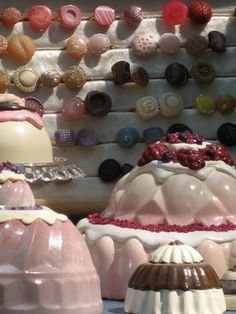 anelli bottone e torte di gesso