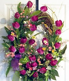(•ॢ◡-ॢ)                                                       Purple Tulip Grapevine Wreath, Mothers Day Gift, Holiday