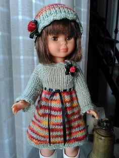 Love the colour combo. Make for Francine Knitting Dolls Clothes, Knitted Dolls, Girl Doll Clothes, Doll Clothes Patterns, Barbie Clothes, Clothing Patterns, Vestidos Nancy, Nancy Doll, Knit Crochet