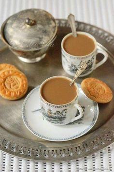 Coffee World, Coffee Is Life, Coffee Milk, My Coffee, Chocolates, Vegan Teas, Coffee Carts, Chocolate Sweets, Cafetiere