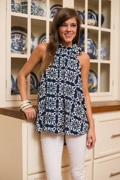 Stitch fix, love this to Top! love love the neck line and color pattern, not a fan of the bow however. Would love something similar in next fix.