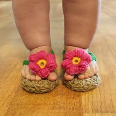 Crochet flip flops- oh my these are cute.