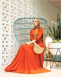 Follow Us @hijabphotoshoot  DM Your Best Pic  To get posted and tagged here  #hijab #hijabphotoshoot #photoshoot #queen #muslimah #trend… Hijab Fashion Summer, Modest Fashion, Modest Outfits, Modest Clothing, Get Post, Every Woman, Photoshoot, Formal, Elegant