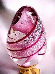 PRETTY PINK STRIPED & CRYSTAL COLORED GLASS PAPERWEIGHT