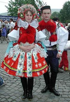 Czech Republic: Wings and Birds website, man and woman in costume Ethnic Fashion, Love Fashion, Costumes Around The World, Costume Collection, Thinking Day, Folk Costume, Beautiful Patterns, Czech Republic, Traditional Dresses