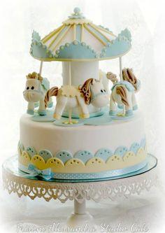 OMG a pony carousel cake Cake Icing, Fondant Cakes, Eat Cake, Cupcake Cakes, Beautiful Cakes, Amazing Cakes, Super Torte, Carousel Cake, Animal Cakes