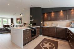 Hvitlasert 1-stavs eikeparkett fra Kärsh Kitchen Island, Real Estate, Flooring, House, Ideas, Home Decor, Island Kitchen, Decoration Home, Home