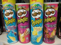 Pringles fruit flavored chips and other weird chip flavors. Pringle Flavors, Potato Crisps, Disney Coffee Mugs, Junk Food Snacks, Weird Food, Crazy Food, Food Humor, Food Cravings, Street Food