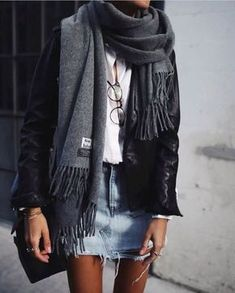 casual outfit, street style, fall and winter fashion Winter Skirt Outfit, Fall Winter Outfits, Autumn Winter Fashion, Denim Skirt Winter, Winter Outfits With Skirts, Leather Jacket Outfit Spring, Leather Skirt, Mode Outfits, Casual Outfits