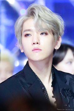 how is it possible to look the flippin perfect? Baekhyun Chanyeol, Exo Kai, K Pop, Hoseok, Got7, Oppa Gangnam Style, Wattpad, Exo Korean, Exo Ot12