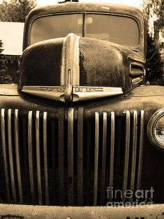 Nostalgic Rusty Old Ford Truck_Wingsdomain Art and Photography