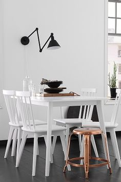Home / Kitchen table with beautiful copper chair. Kitchen Interior, Modern Interior, Home Interior Design, Interior Decorating, Scandinavian Home, Beautiful Interiors, Interior Design Inspiration, Home Kitchens, Sweet Home