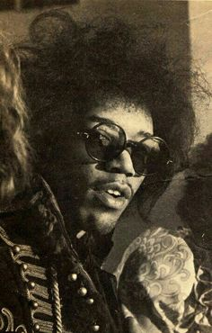 Jimi Hendrix was declared as the best musical performing artist (guitarist) by the AMA in Jimi Hendrix Experience, Pop Rock, Rock N Roll, Jimi Hendricks, Historia Do Rock, Foto Poster, New Wave, We Will Rock You, Hippie Man
