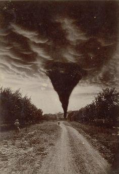 Oklahoma, 1898 (одна из первых фотографий торнадо)